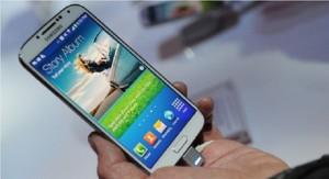 US Report: More Youth Log Online Via Smartphones!