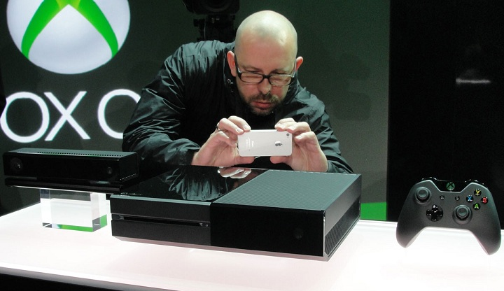 Methods to Use Your Mobile Device with the Xbox One and PS4