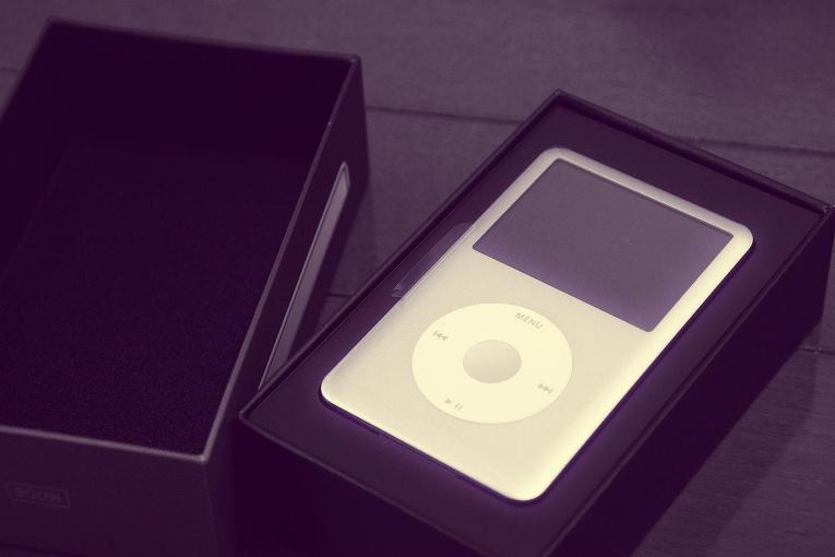 iPod Lawsuit Loses One Plaintiff