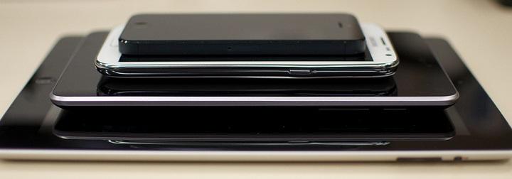 Samsung Moves Up Phablet Launch for Battling Apple