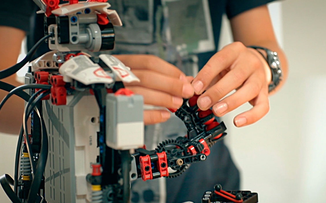 Things You Must Know Before Building A Robot