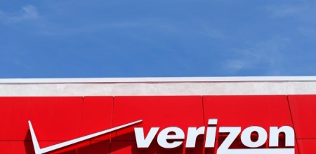 Verizon to Lower Price for Yahoo Deal