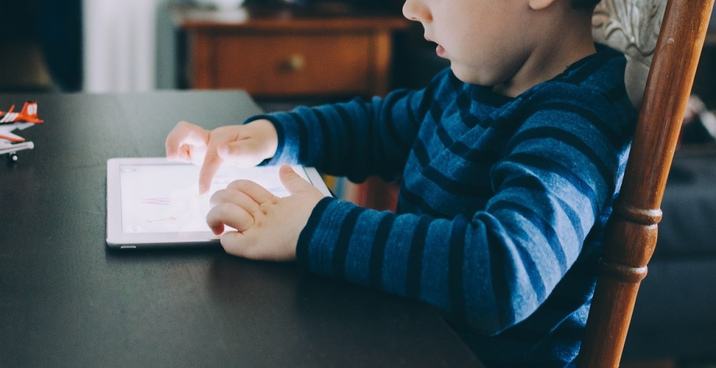 4 Gadgets Extremely Helpful for School Kids