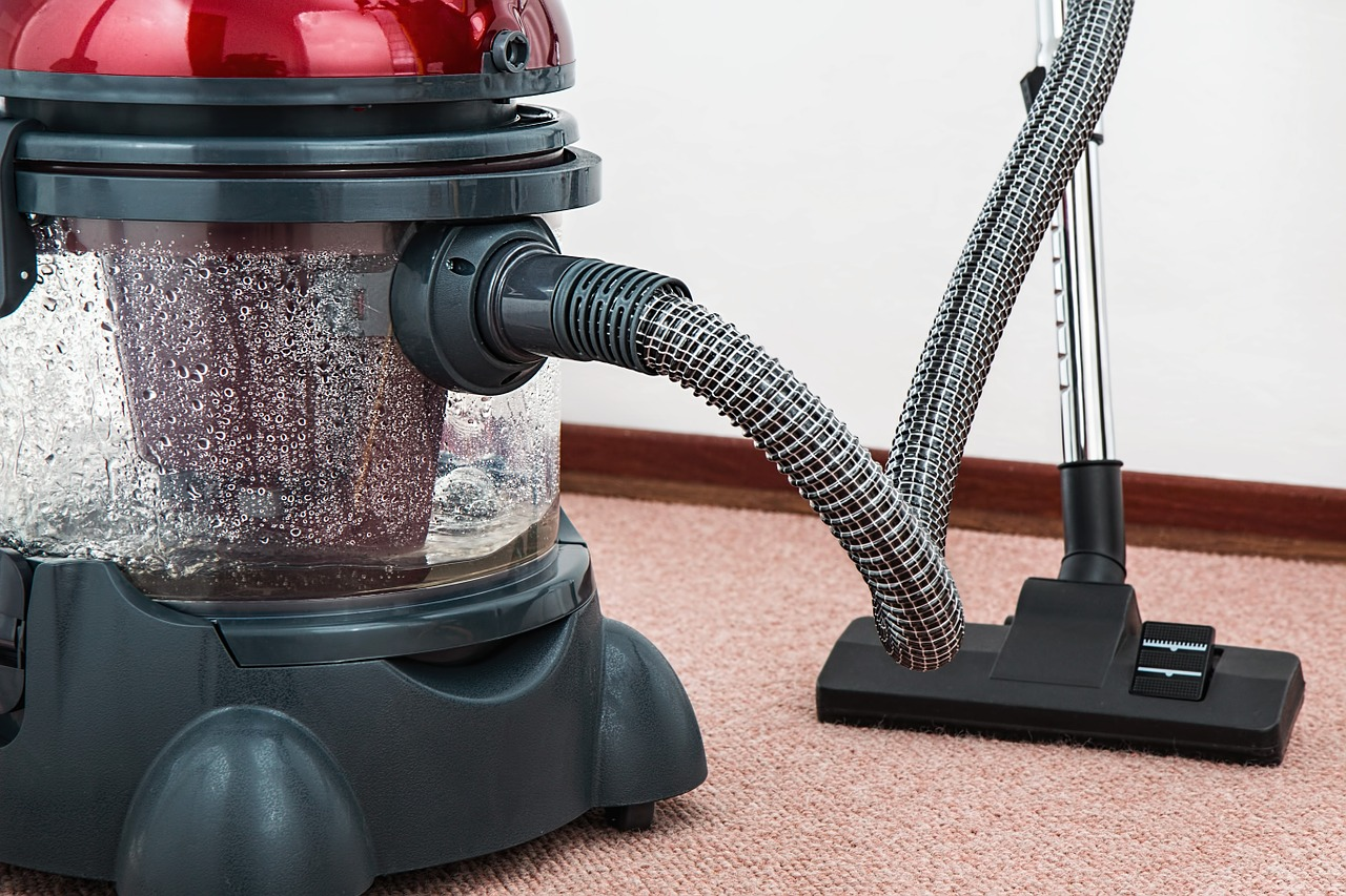 4 Cool Vacuums You Can Buy In 2018