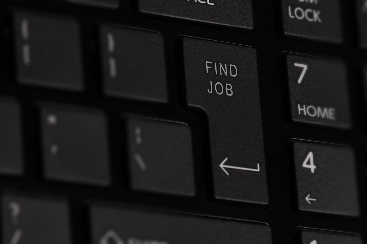 Using Technology to Help Your Job Hunt