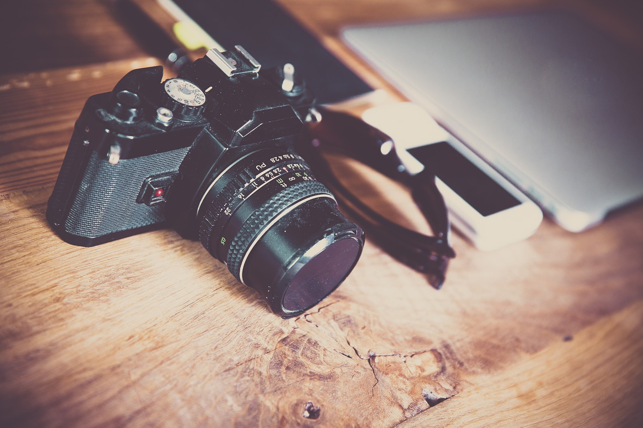 The DSLR Accessories You Must Have as a DSLR Owner