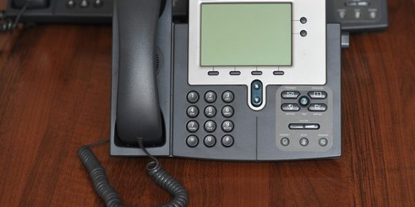 Why Use IP Telephone System in Your Office Setting?