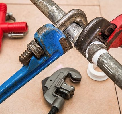 Key Advantages of Having an Emergency Plumber