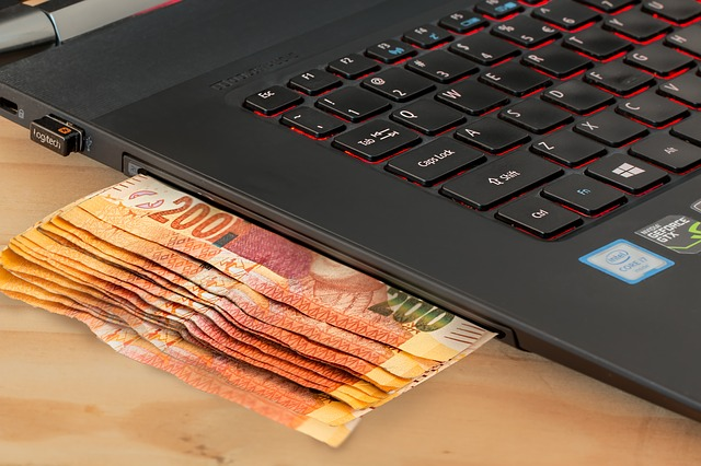 What Are the Different Ways to Make Money Online?