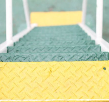 Things to Consider when Hiring a Professional Stair Cleaning Service