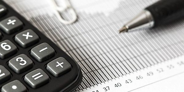Pros and Cons of a Full-Time Accountant and an Outsourced Accountant